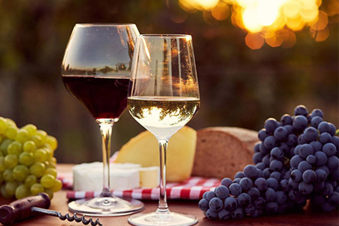 Sự khác biệt giữa rượu vang đỏ và rượu vang trắng 1