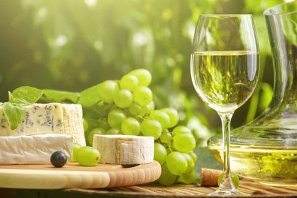 Giá rượu vang trắng Pháp ngon, nhập khẩu chính hãng tại Hà Nội