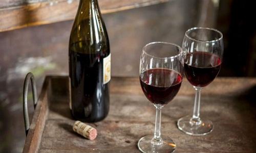 Nhận biết rượu vang hỏng