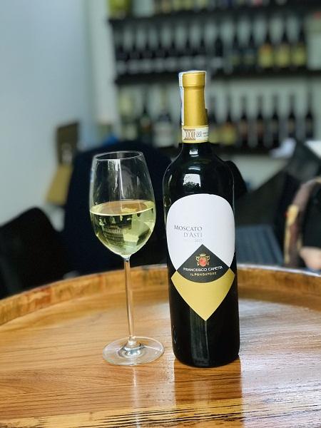 Rượu vang Moscato D'asti ngọt