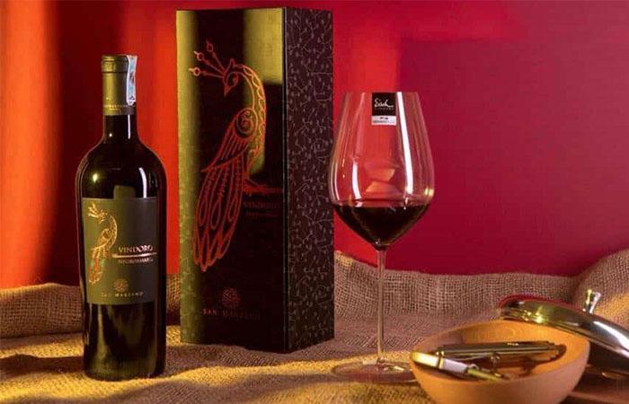 Rượu vang ý con công Vindoro