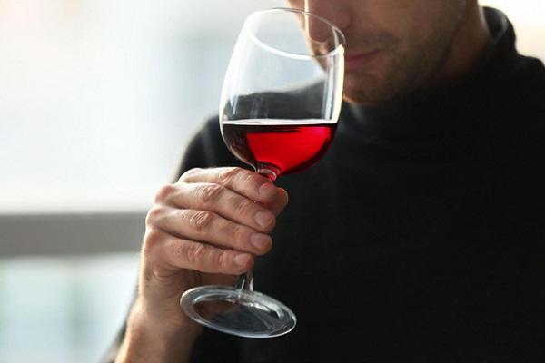 Cách nhận biết rượu vang hỏng qua mùi vị