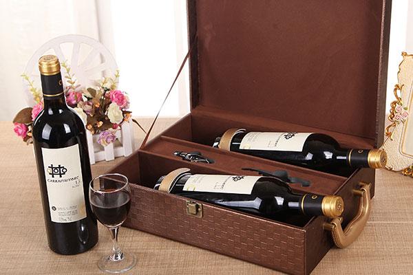 Nên chọn rượu vang thường được chọn làm quà Tết