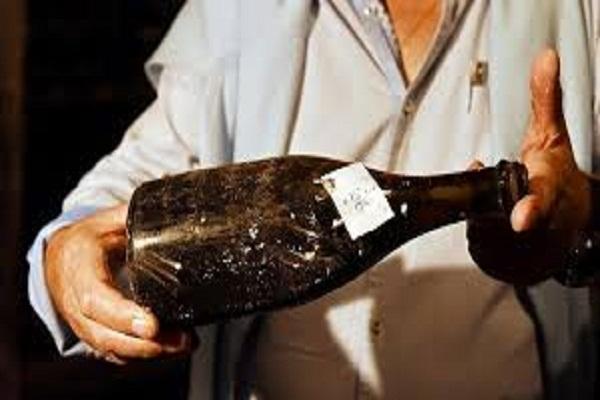 Rượu vang có hạn sử dụng không và thời gian để được bao lâu