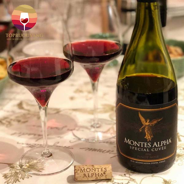 ruou-Vang-Montes-Alpha-Special-Cuvee-Pinot-Noir-1